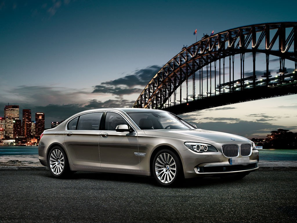 bmw-7-series-overall